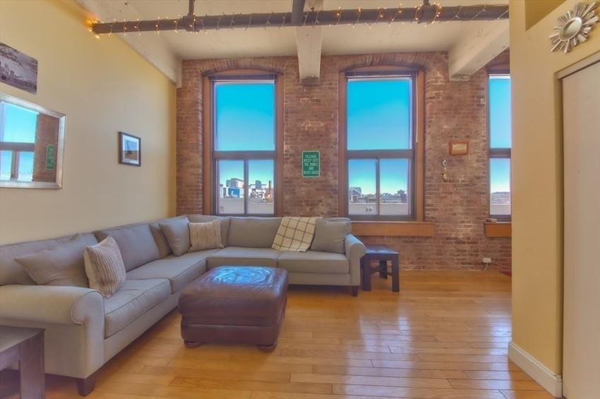 314-330 W 2nd St, Boston, MA Image 16