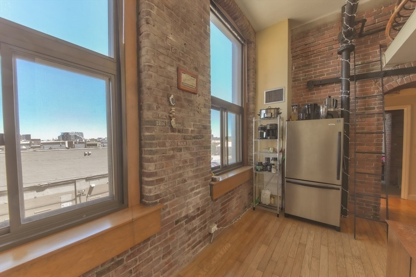 314-330 W 2nd St, Boston, MA Image 6
