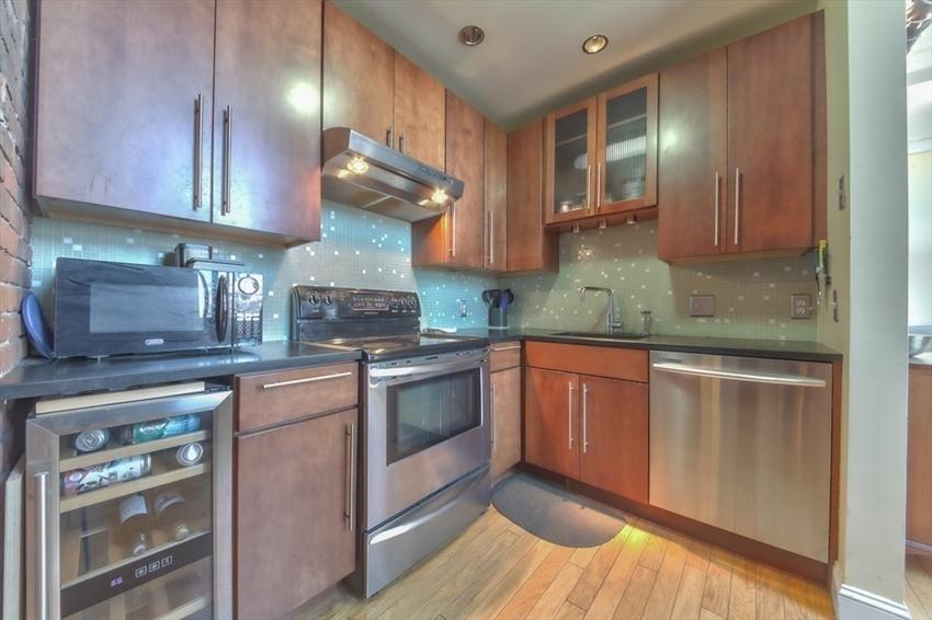 314-330 W 2nd St, Boston, MA Image 9