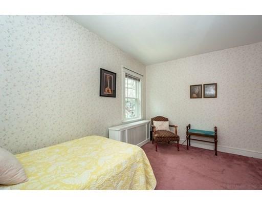 749 West Roxbury Pkwy, Boston, MA 02132