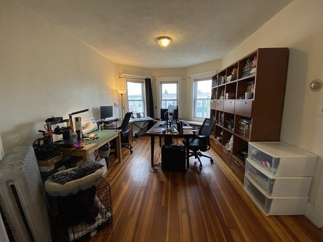 18 Howes Street Boston MA 02125