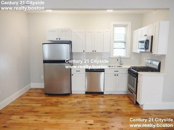 320 Saratoga Street Boston MA 02128