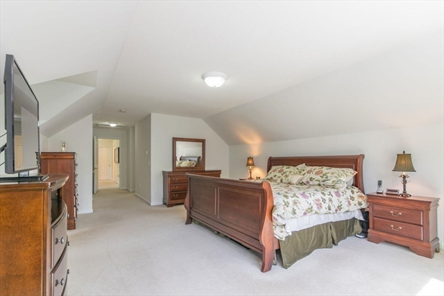 34 Pembroke Terrace East Longmeadow MA 01028