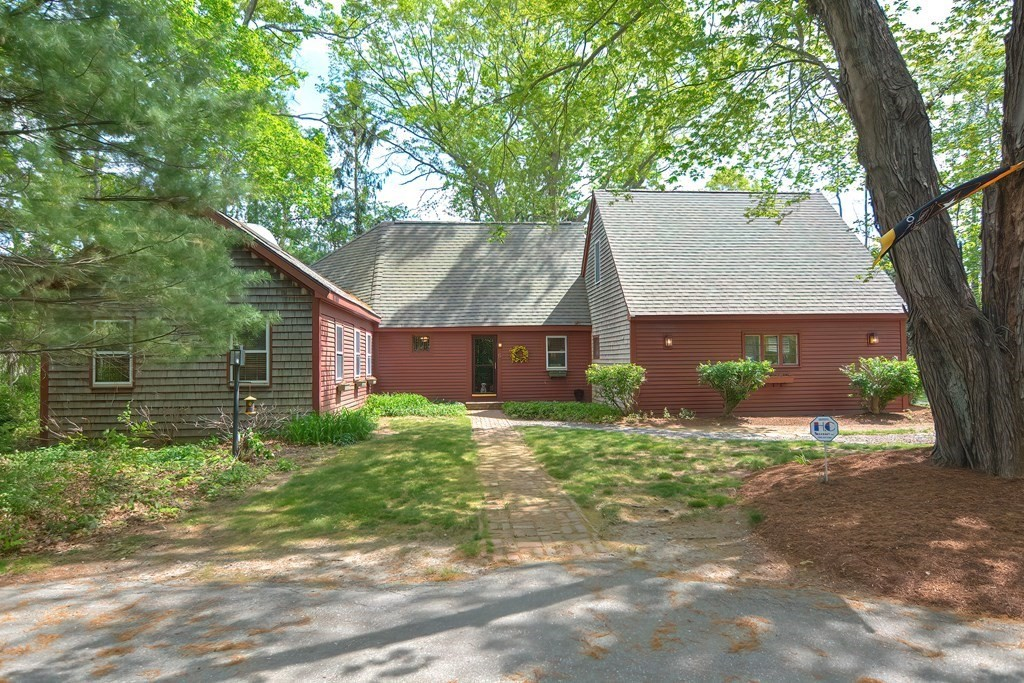 6 Old Pine St, Rehoboth, MA 02769