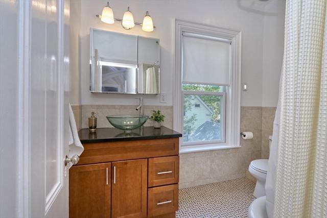 20 Oakland Avenue Newton MA 02466