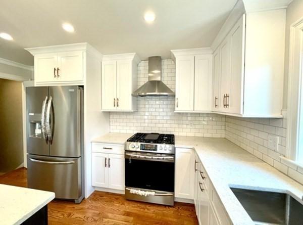 17 Lakeview Avenue Waltham MA 02451