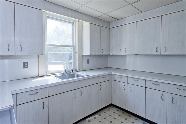 188 Madison Avenue Holyoke MA 01040