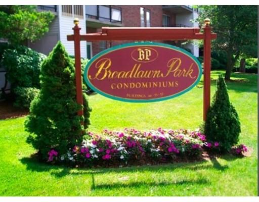 55 Broadlawn Park #19, Boston, MA 02467