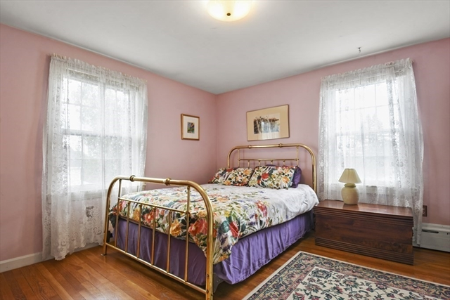 42 Country Lane Leominster MA 01453