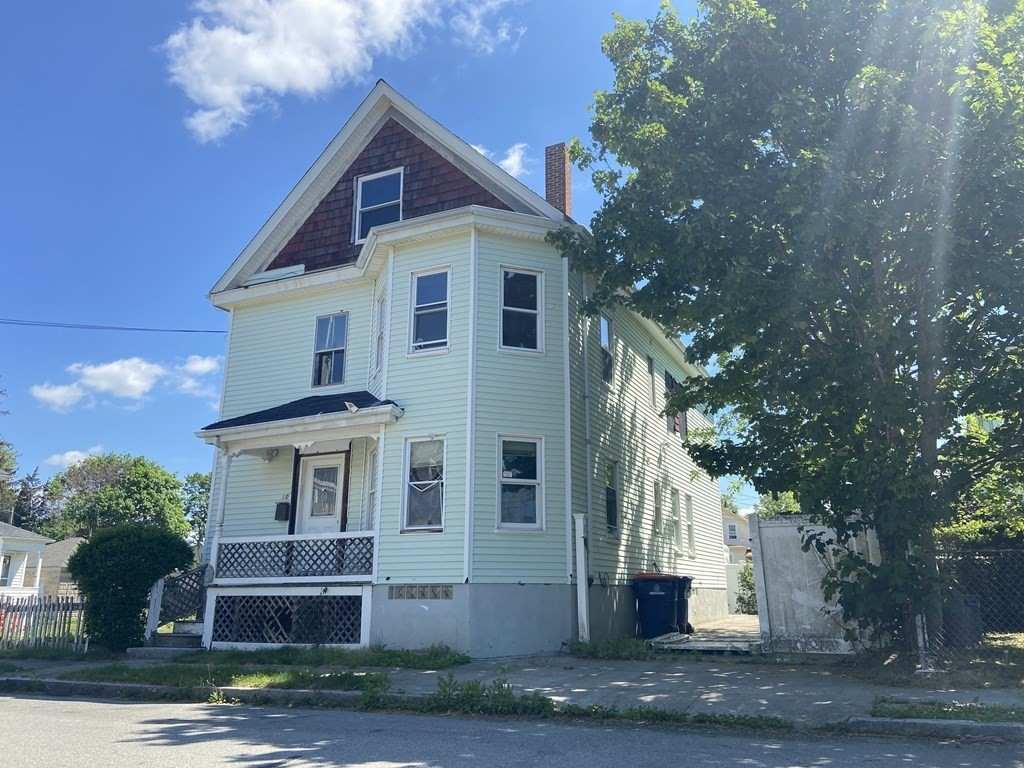Located on the West Side of New Bedford is this 2 family property that is calling for those who are looking to put the finishing touches on a property. Great location for attracting tenants! Great opportunity to make a profit. This multifamily sits just 5 minutes from New Bedford's Button Woods Park Zoo, as well as the Seastreak Ferry, making for an easy trip to Nantucket or Martha's vineyard. Give this property the TLC it deserves and you won't regret the investment.