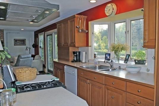 10 Jacksonville Road, Colrain, MA: $450,000