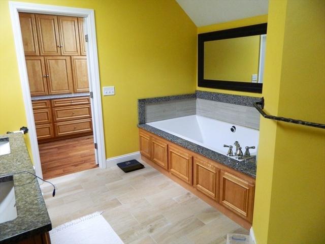 498 Rochdale Street Auburn MA 01501