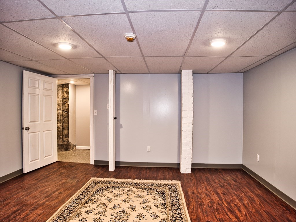 This space offers office space, a private bath and access for the ground level! The main office measures 12x14. This is a great space for getting out of the house and finally having your own office. Electricity and heat included in the rent with signage options throughout the building!