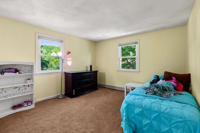 35 Ridgewood Lane Quincy MA 02169