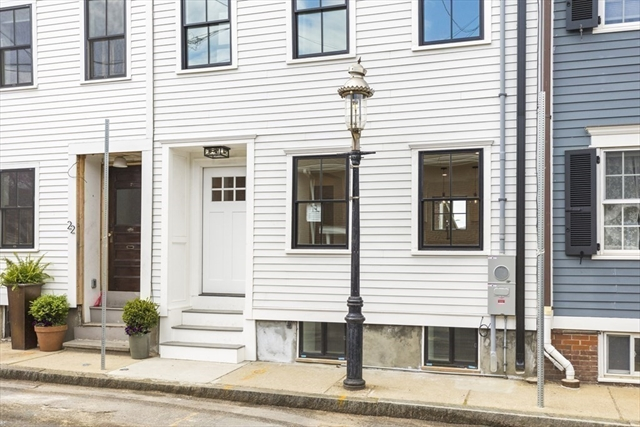 24 LYNDEBORO Street Boston MA 02129