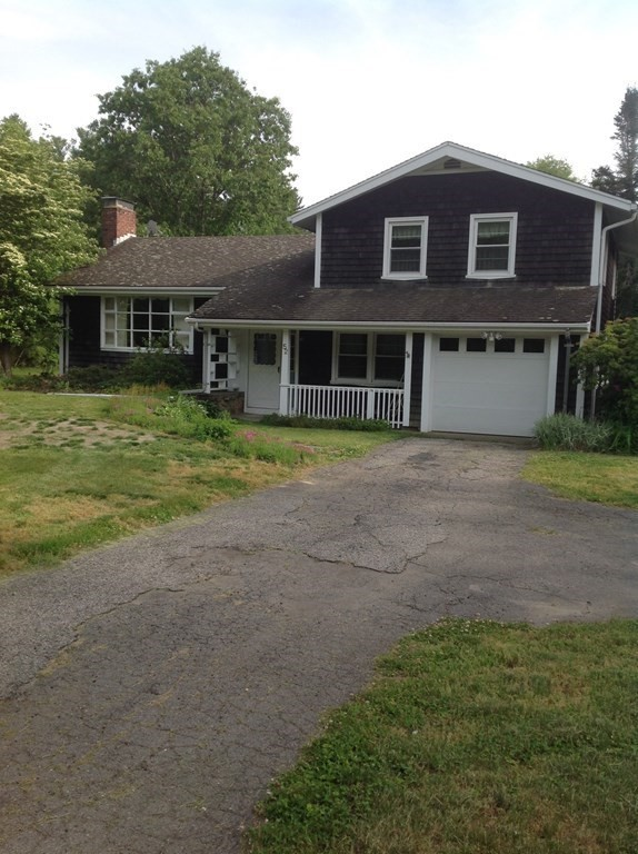 Great opportunity to live in the town of Rochester! This charming split level home offers 3 bedrooms and 2 full baths. The home features wood burning fireplace, enclosed sun patio and spacious fenced backyard.A must see! Call for your showing today. First showing will start on Saturday June 5th @9am.