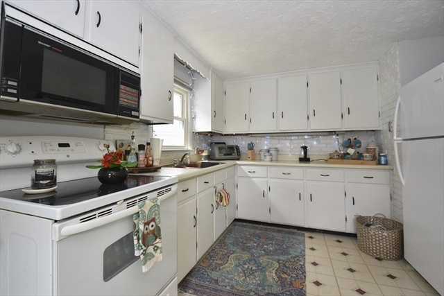 109 Mill Street Leominster MA 01453