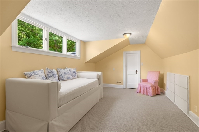 32 Maugus Avenue Wellesley MA 02481