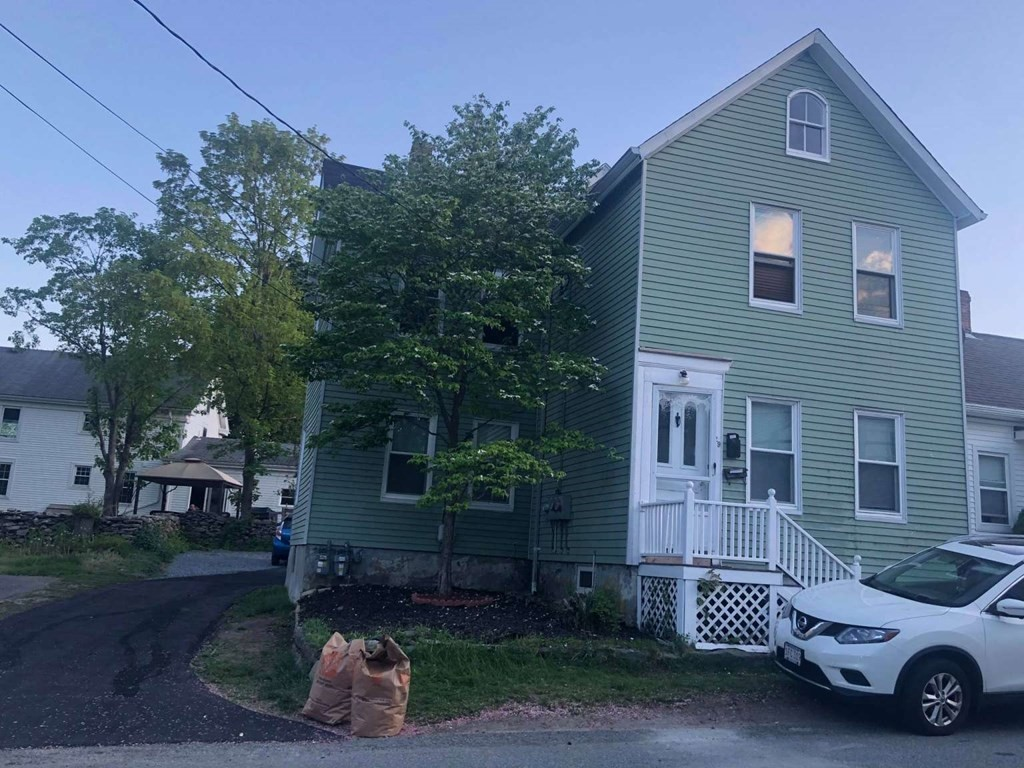 Opportunity to own multifamily in wonderful area of Somerset! Walk to the town beach, parks, boat ramp and playgrounds. Easily rent or owner occupy this property has considerable updates needs nothing and is waiting for its new owner. Plan your viewing now.