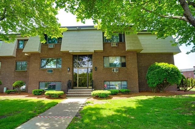 10 Hallmark Gardens Burlington MA 01803