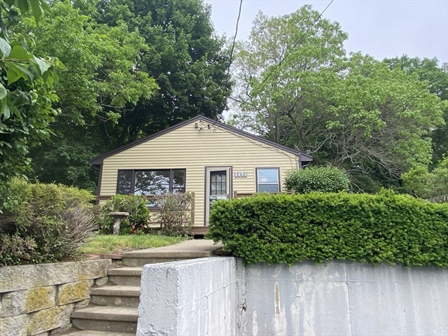 1471 Somerset Avenue Dighton MA 02715