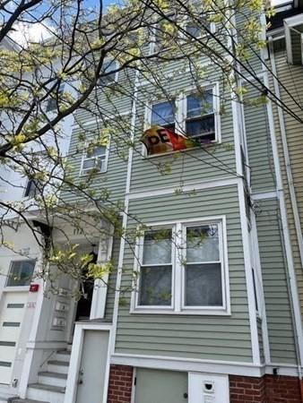 112 Trenton Boston MA 02128