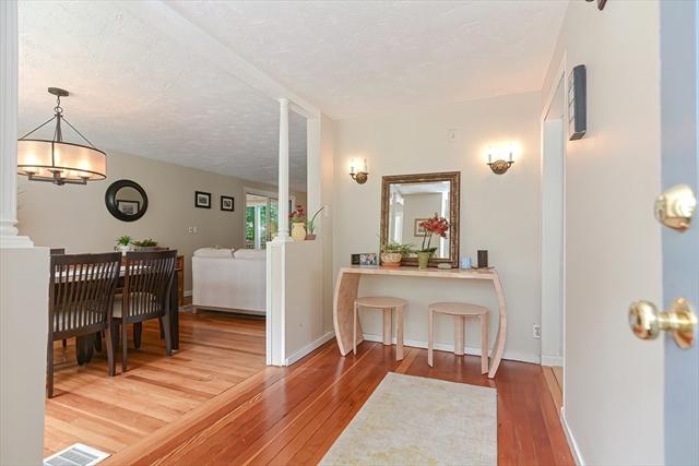 10 Hillside Avenue Stoneham MA 02180