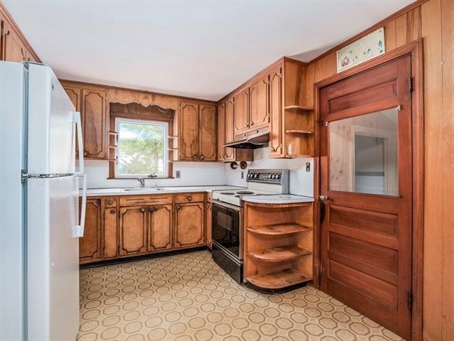 136 Glenmere Street Lowell MA 01852