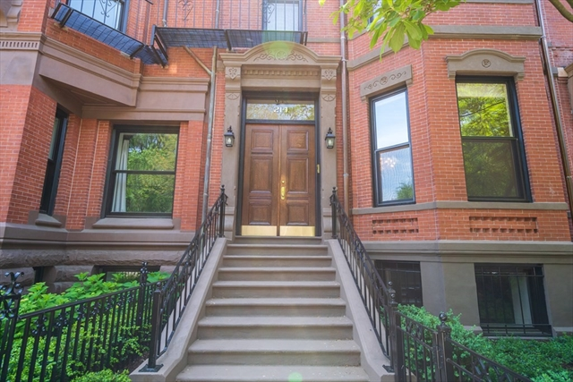 214 Commonwealth Avenue Boston MA 02116