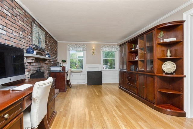 7 Old Powder House Road Lakeville MA 02347