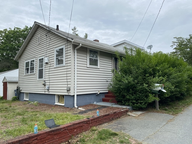 17 Oriole Street New Bedford MA 02745