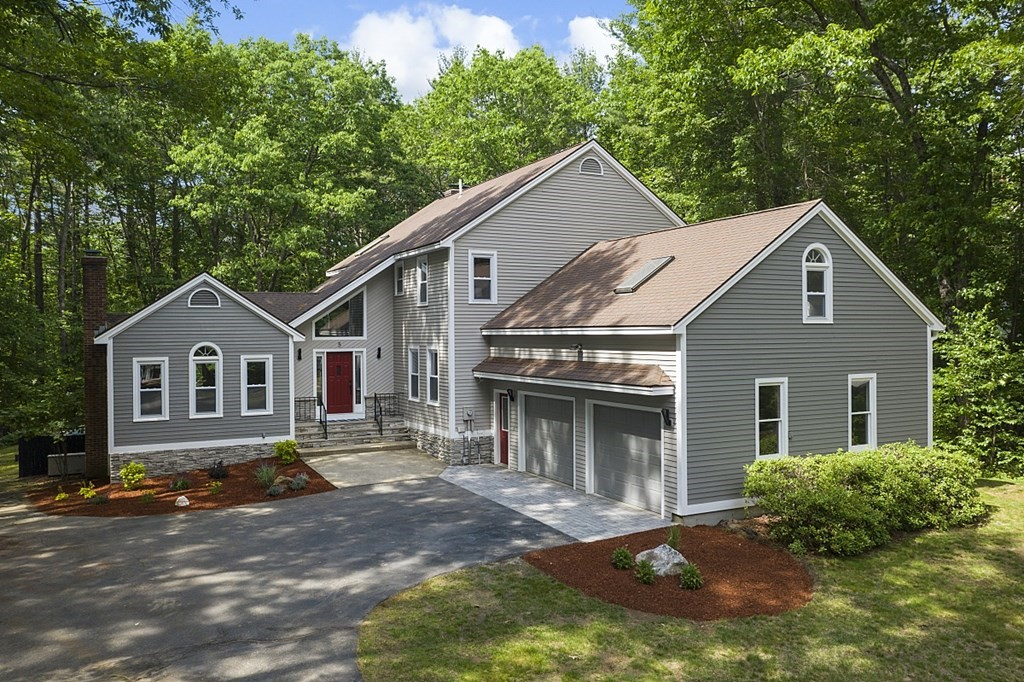 Photo of 5 Collins Brook Rd Windham NH 03087