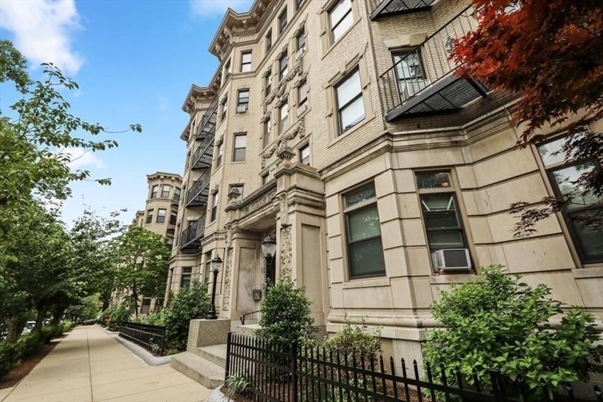 64 Charlesgate E, Boston, MA Image 12