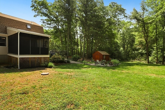 2 Sampsons Path Lakeville MA 02347