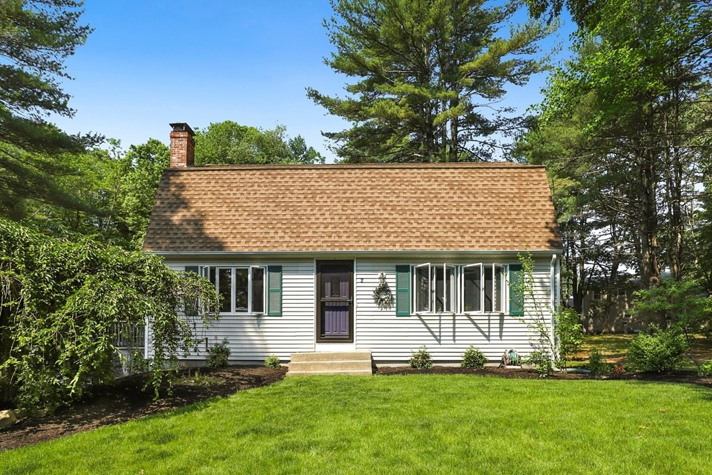 Beautiful Move-in ready~ Gambrel Cape in desirable location! Modern kitchen w/ granite countertops, island, and SS appliances and a separate dining area. Spacious living area with fireplace. Hardwood floor, additional family room, central vac, and freshly painted throughout. 3 great-sized bedrooms and 2 modern full bathrooms. Screened porch overlooks a lovely, nearly 3/4 acre lot on a quiet cul-de-sac. Easy access to  Route 140, I-495, and Route 24.