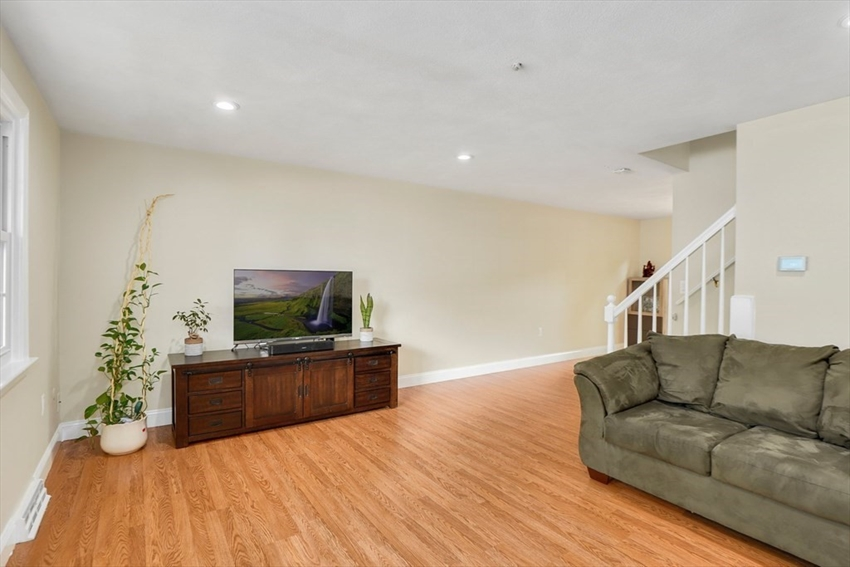 17 Meetinghouse Rd, Acton, MA Image 2