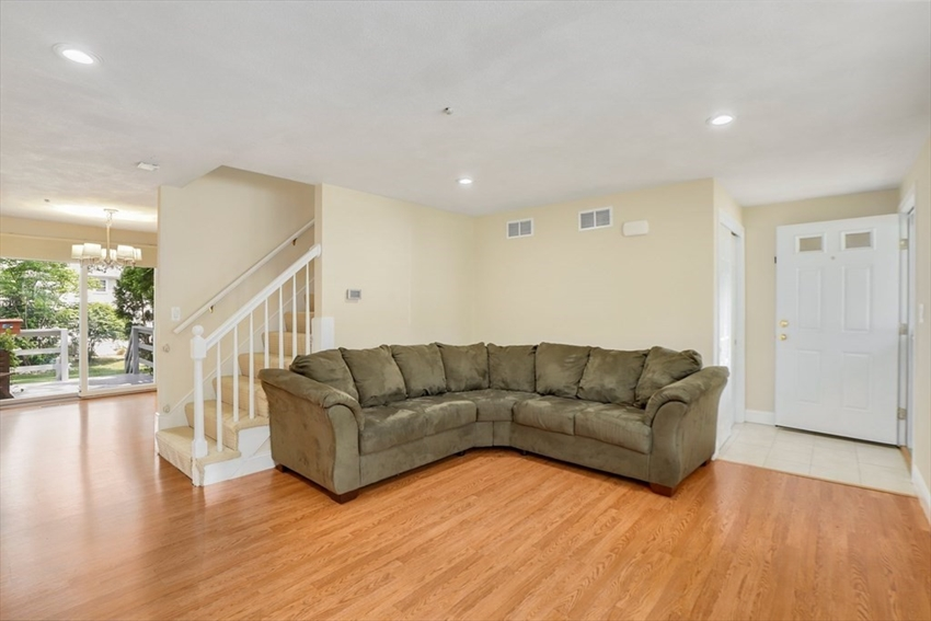17 Meetinghouse Rd, Acton, MA Image 3