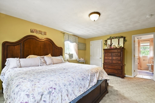 25 Blackwood Avenue Billerica MA 01821