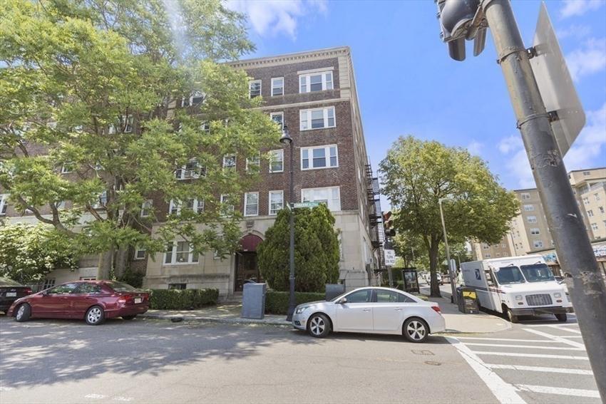 1607 Commonwealth Ave, Boston, MA Image 10