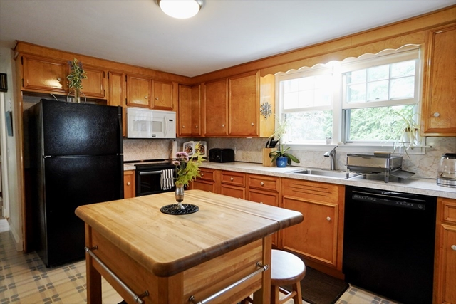 7 Stacey Court Marblehead MA 01945