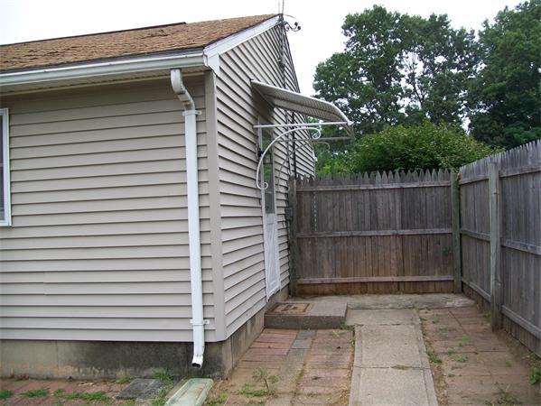 1427 Sumner Avenue Extension Springfield MA 01118