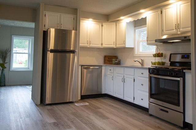 18 Fawn Drive Plymouth MA 02360