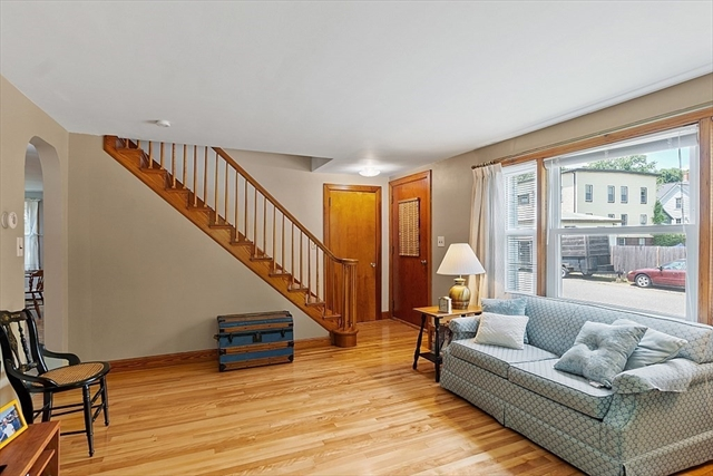16 Arch Street Leominster MA 01453