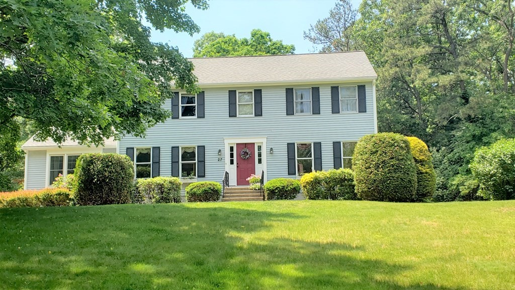 27 Westview Dr, Mansfield, MA 02048