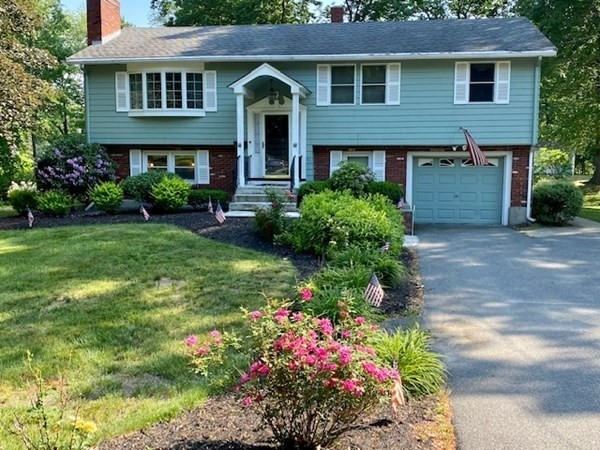 11 Meadowbrook Road Chelmsford MA 01863