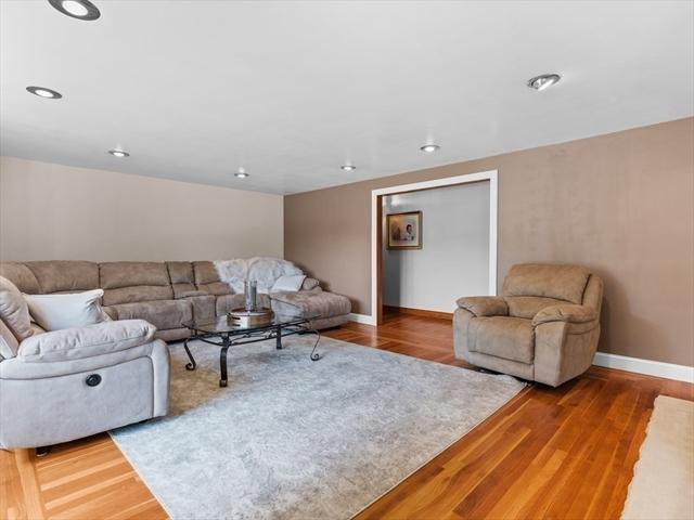 78 Brookfield Street Seekonk MA 02771
