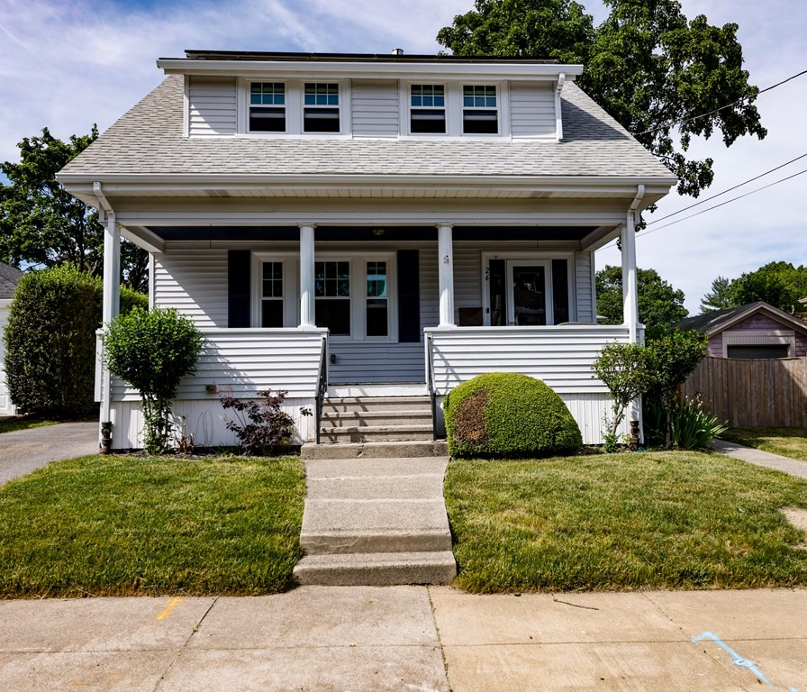 Very nice and well kept home in the Highlands. Short walk to the new high school. This 3 bedroom 1 bath home has a great living room that is open to the dining area, Kitchen has a large pantry closet an a lot of counter space. Nothing to do here but move in.
