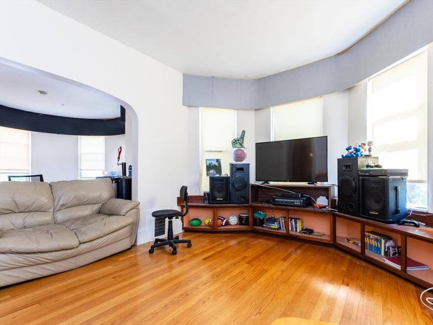 774 Columbia Rd, Boston, MA Image 4