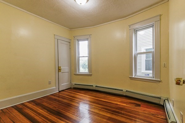 28 Melbourne Street Boston MA 02124