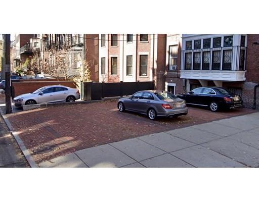 Studio, 0 Bath home in Boston for $275,000